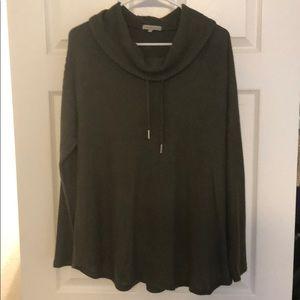 Green flowy sweatshirt top
